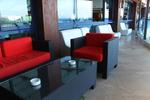 Сепарета за заведения от ратан,придаващи стил и комфорт на всеки интериор вече и в